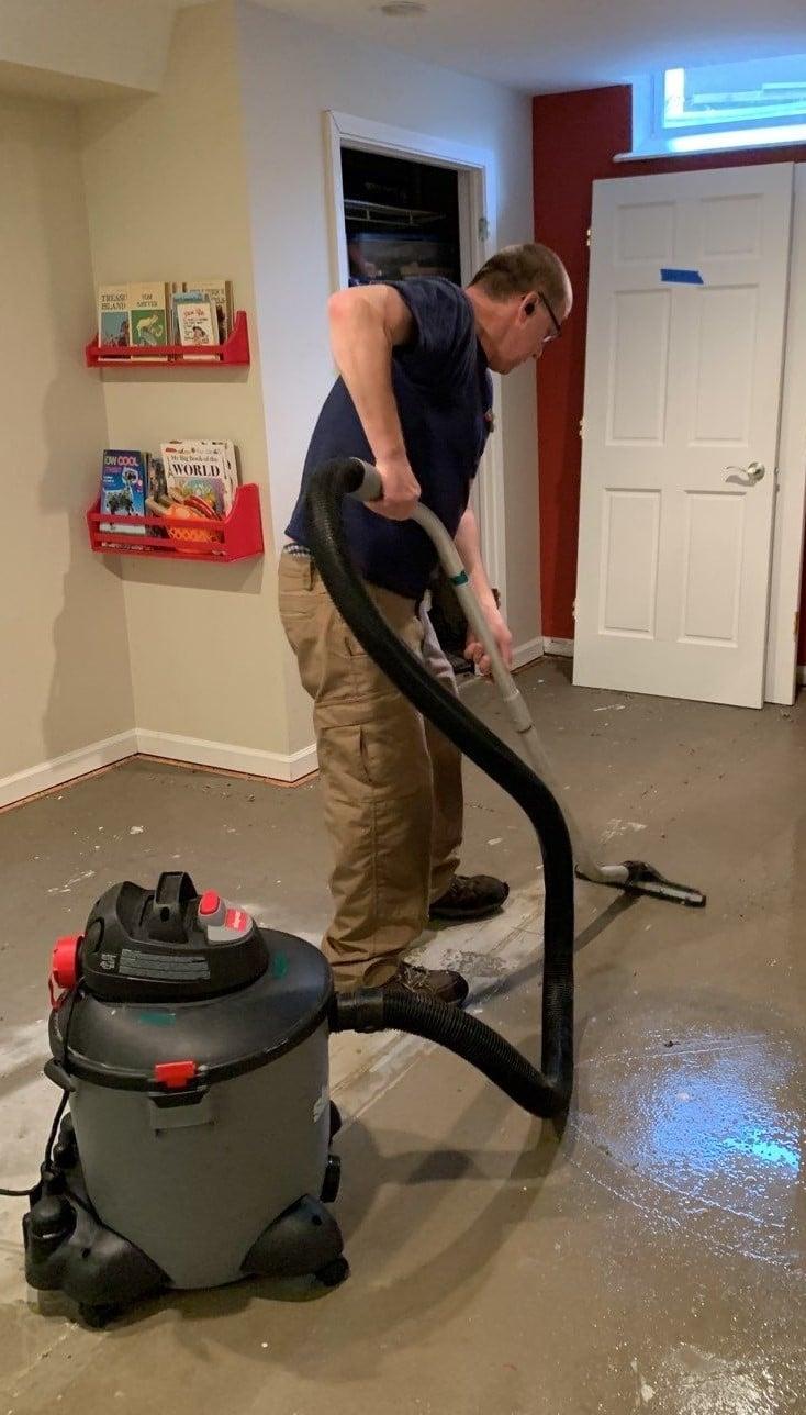 Extracting the Floor