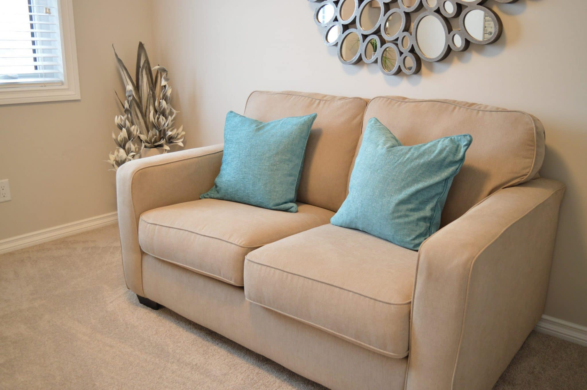 cleaning chairs and furniture, upholstered chair cleaning services, professional furniture cleaning
