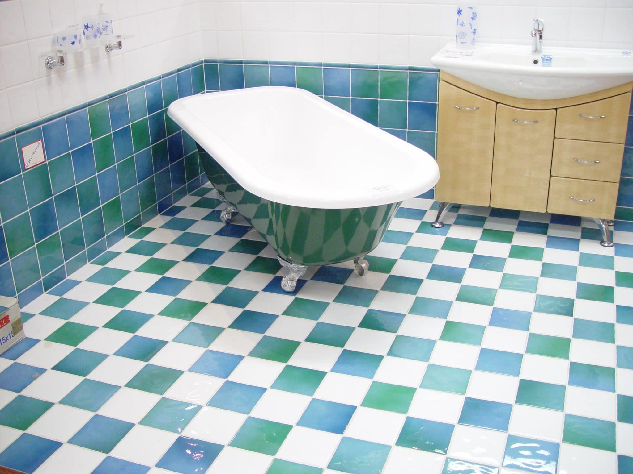 tile cleaning in racine, racine tile cleaning, the finest racine tile cleaners